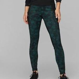 Athleta Frost High Traverse Tights size M Abyss